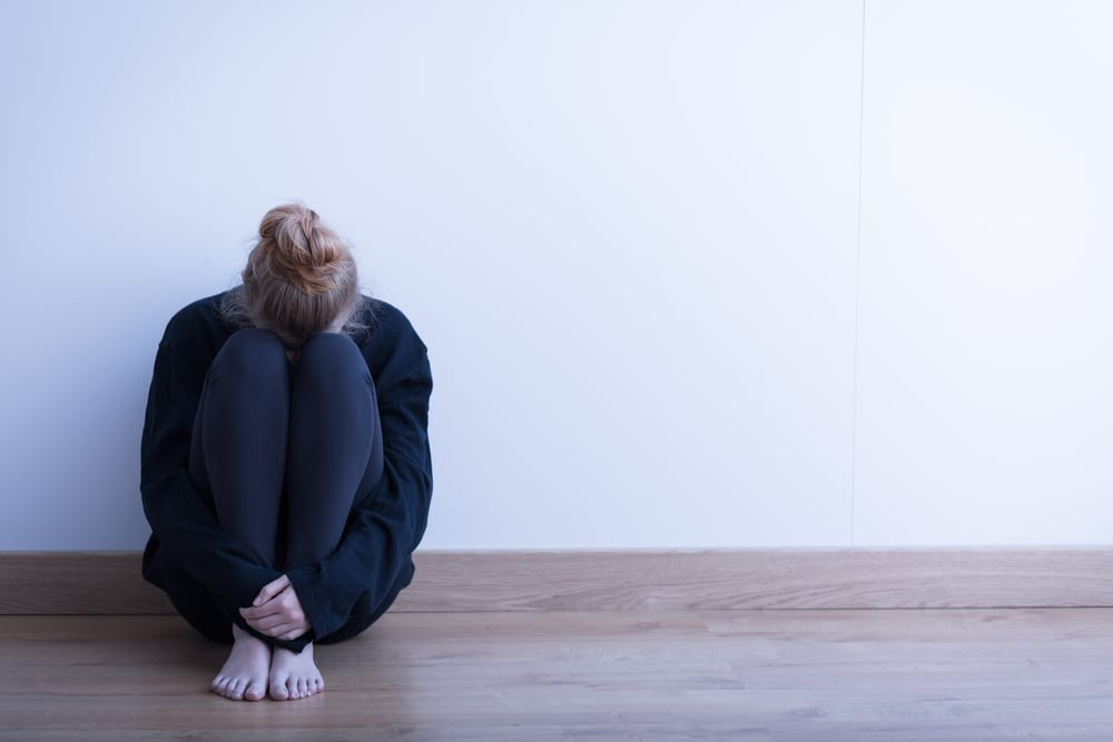 Adolescent eating disorder patient has low mood and needs medical support